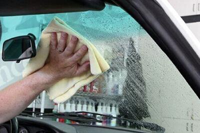 czyszczenie szyb samochodowych 3