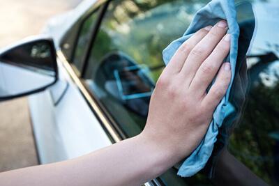 czyszczenie szyb samochodowych 1